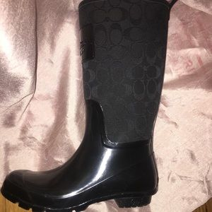 Authentic coach raining boot size 8